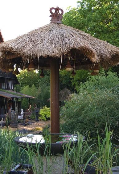 Gartenschirm aus Bali